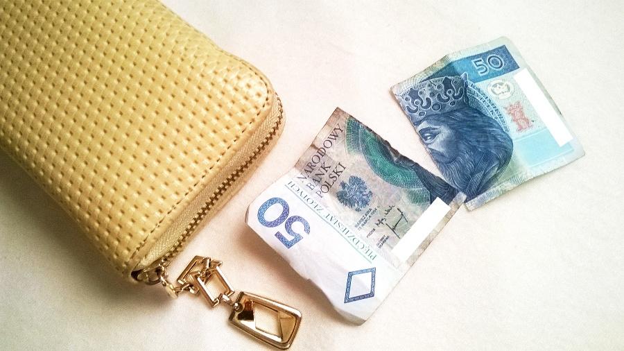 podarty banknot
