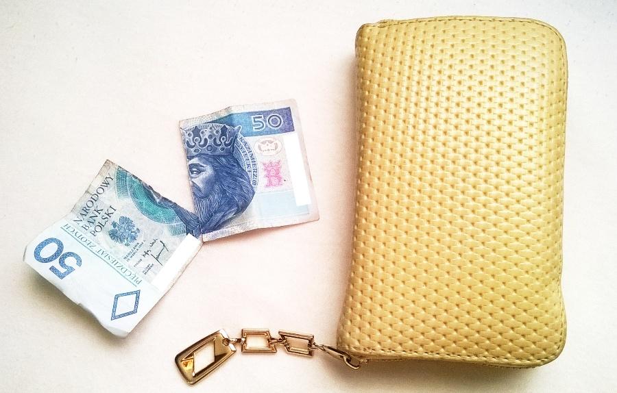 Co zrobic zpodartym banknotem 2
