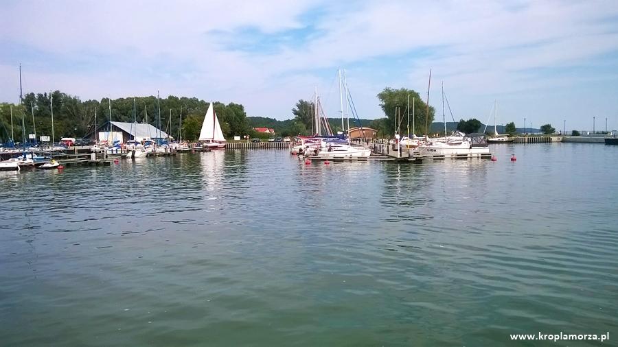 Port wKrynicy Morskiej nadZalewem Wiślanym