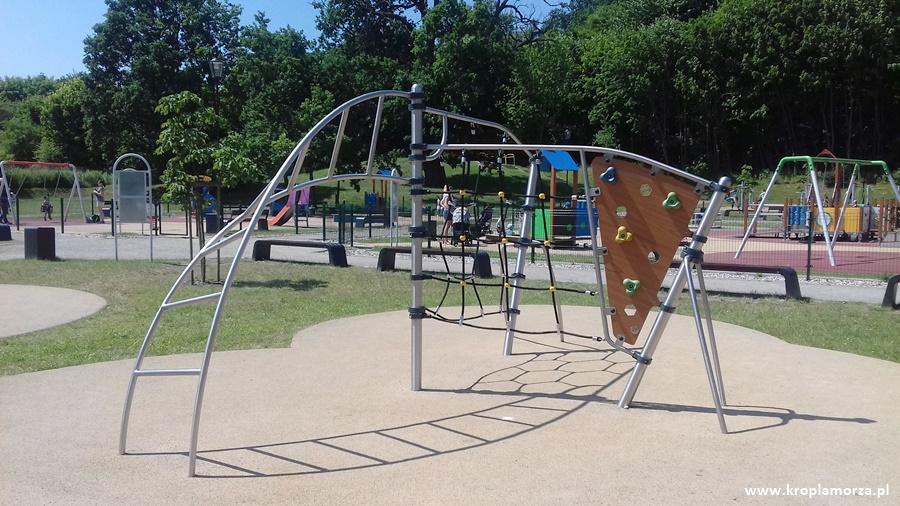 najlepsze-place-zabaw-w-gdansku-park-orunski